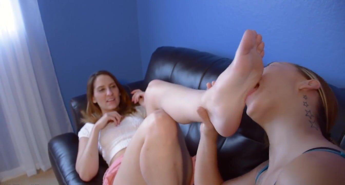 Sexy feet licking