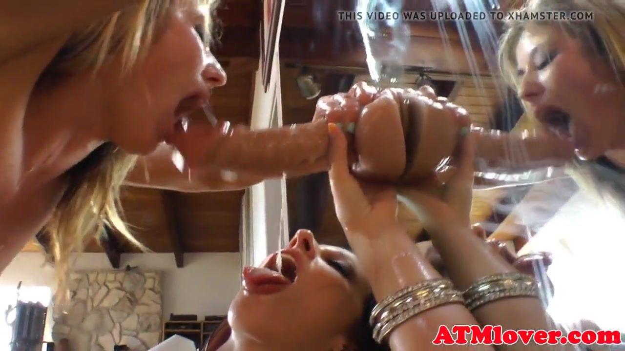 Lesbian Ass Eating Dildo